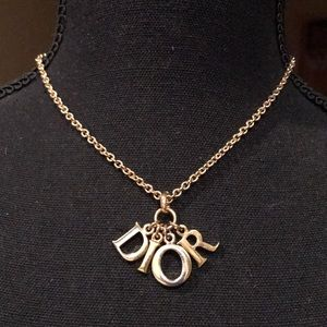 💯 % authentic DIOR necklace